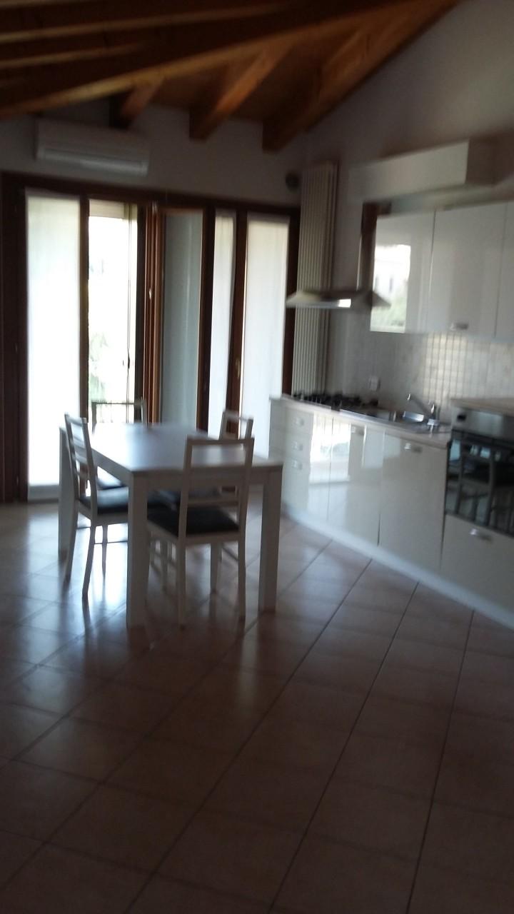 Appartamento in affitto a Alonte, 4 locali, prezzo € 600 | CambioCasa.it