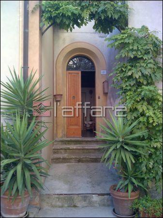 Appartamento in buone condizioni in vendita Rif. 6874499