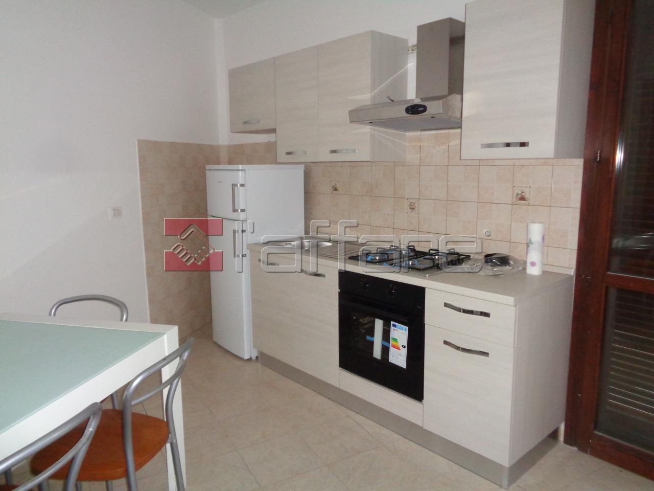 Appartamento in buone condizioni in affitto Rif. 4143883