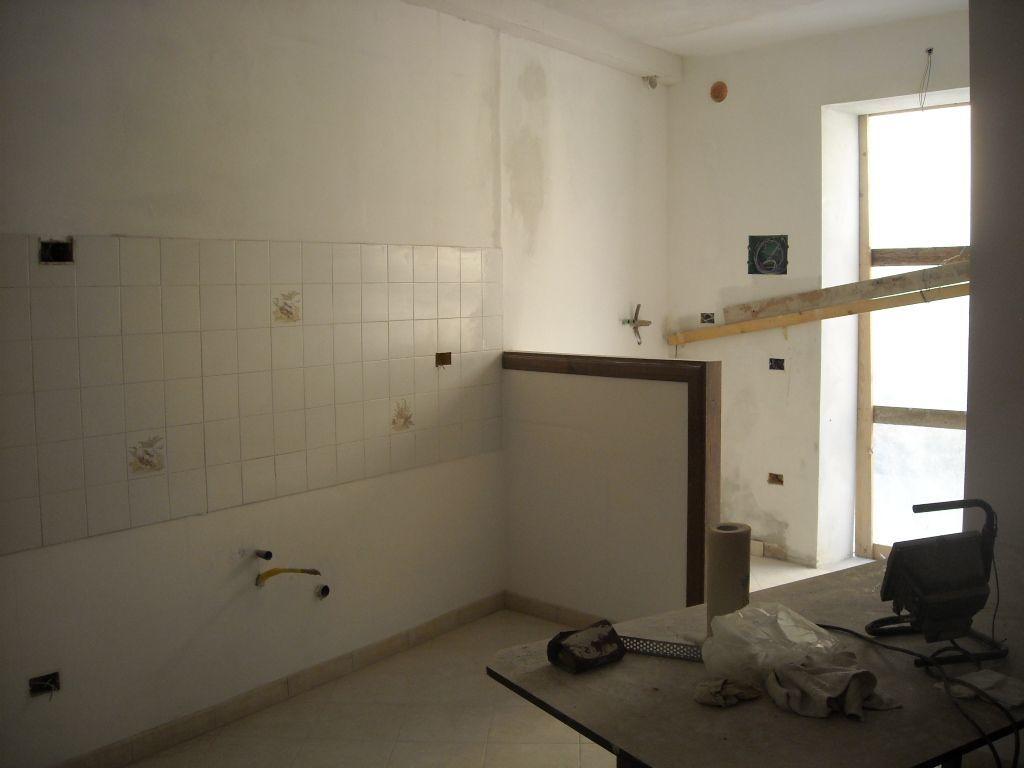 Appartamento in vendita a Monsummano Terme, 2 locali, prezzo € 89.000 | CambioCasa.it