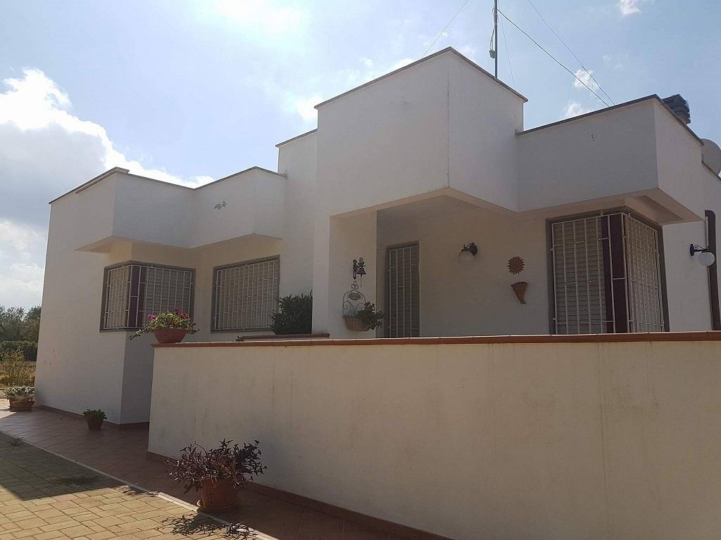 Villa ristrutturato in vendita Rif. 8282598