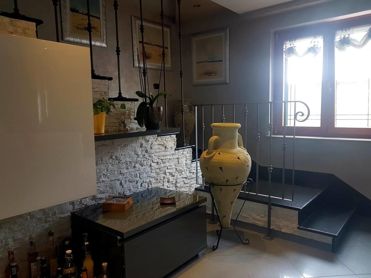Casa Indipendente in buone condizioni in vendita Rif. 12384213