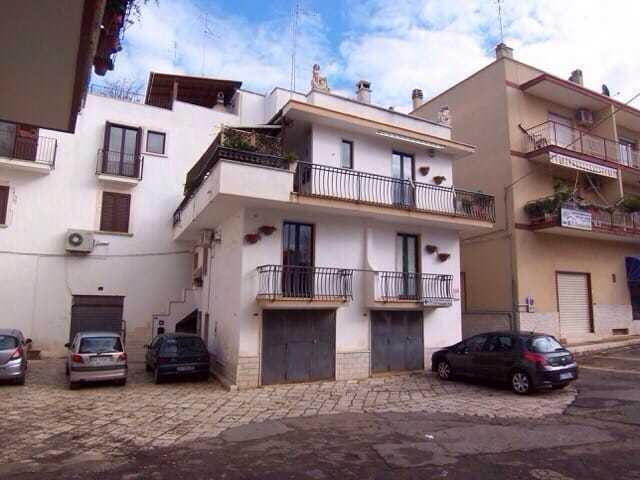 Casa Indipendente in buone condizioni in vendita Rif. 12384221