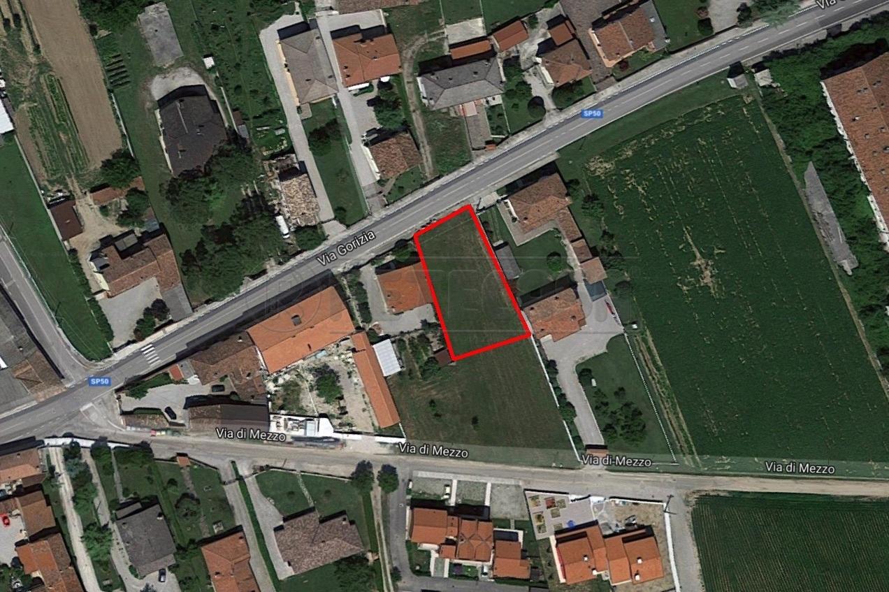 Terreno in buone condizioni in vendita Rif. 9894855
