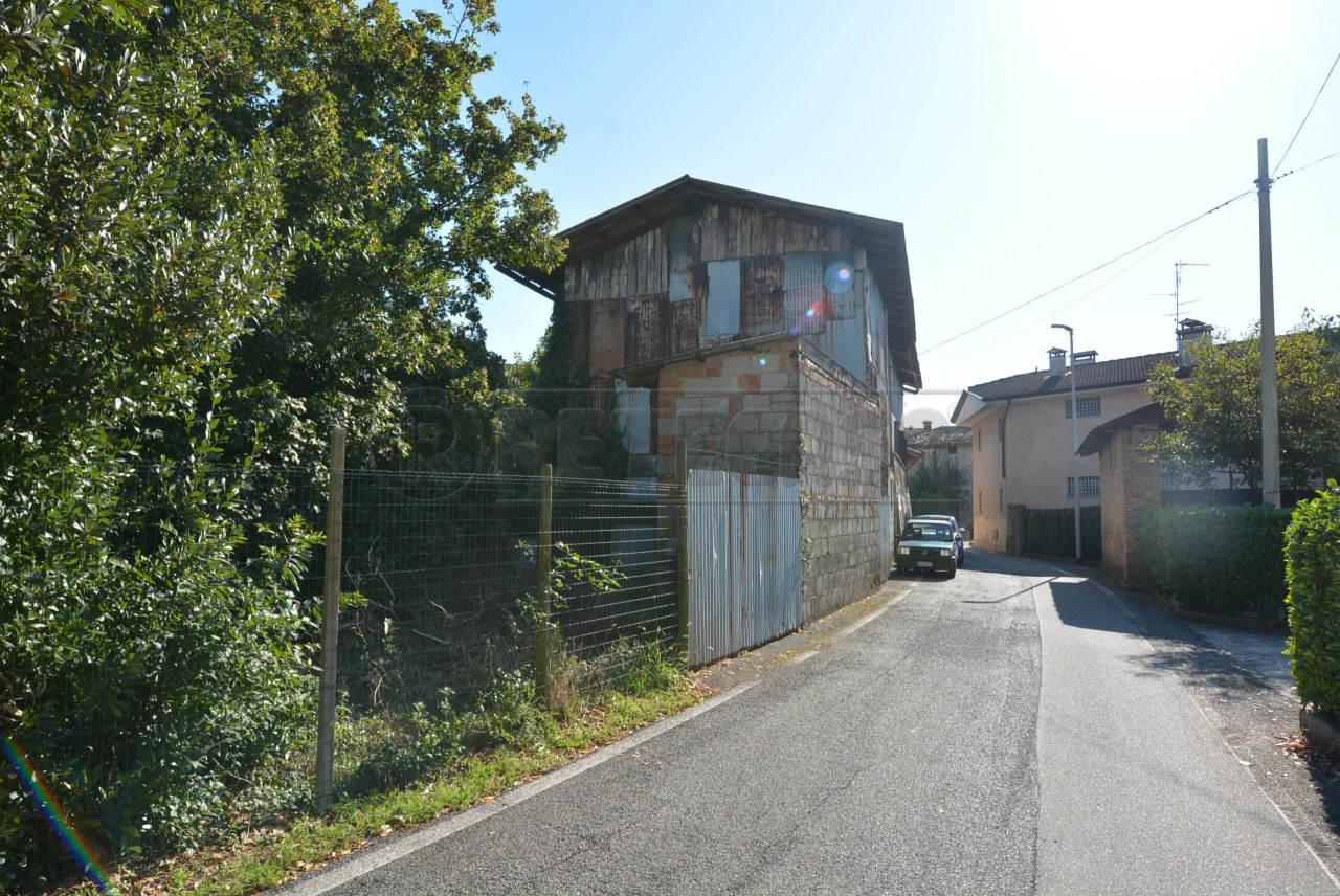 Soluzione Indipendente in vendita a Visco, 7 locali, prezzo € 39.000 | CambioCasa.it