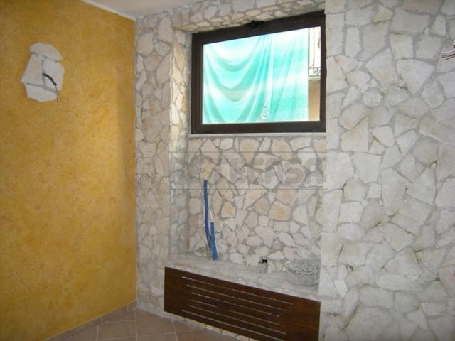 Appartamento in affitto a Caltanissetta, 4 locali, prezzo € 350 | CambioCasa.it