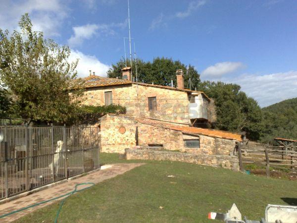 Rustico / Casale in vendita a Monticiano, 12 locali, prezzo € 1.270.000   CambioCasa.it