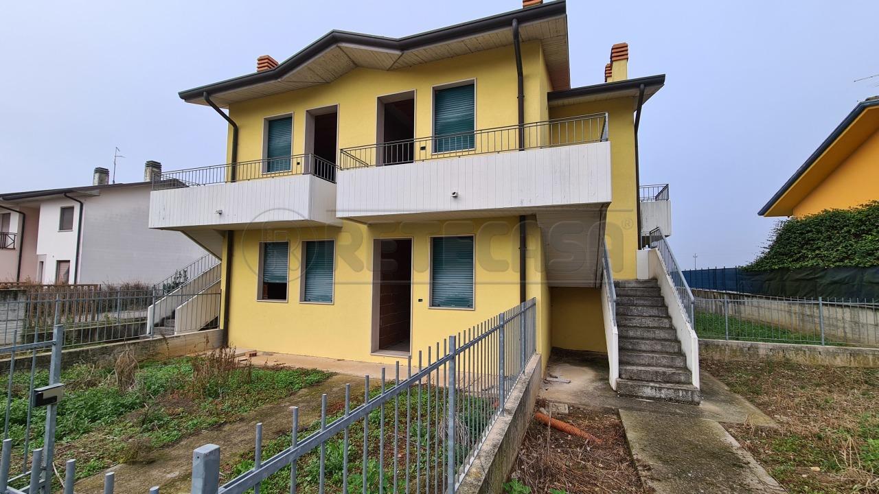 Appartamento in vendita a Roveredo di Guà, 5 locali, prezzo € 62.000 | CambioCasa.it
