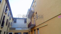Ufficio in Affitto a Mantova, 600€, 70 m²