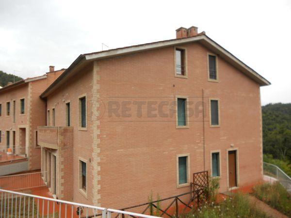 Appartamento in vendita a Monticiano, 4 locali, prezzo € 215.000   CambioCasa.it