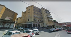 Trilocale in Vendita a Napoli, zona san carlo arena, 150'000€, 70 m²