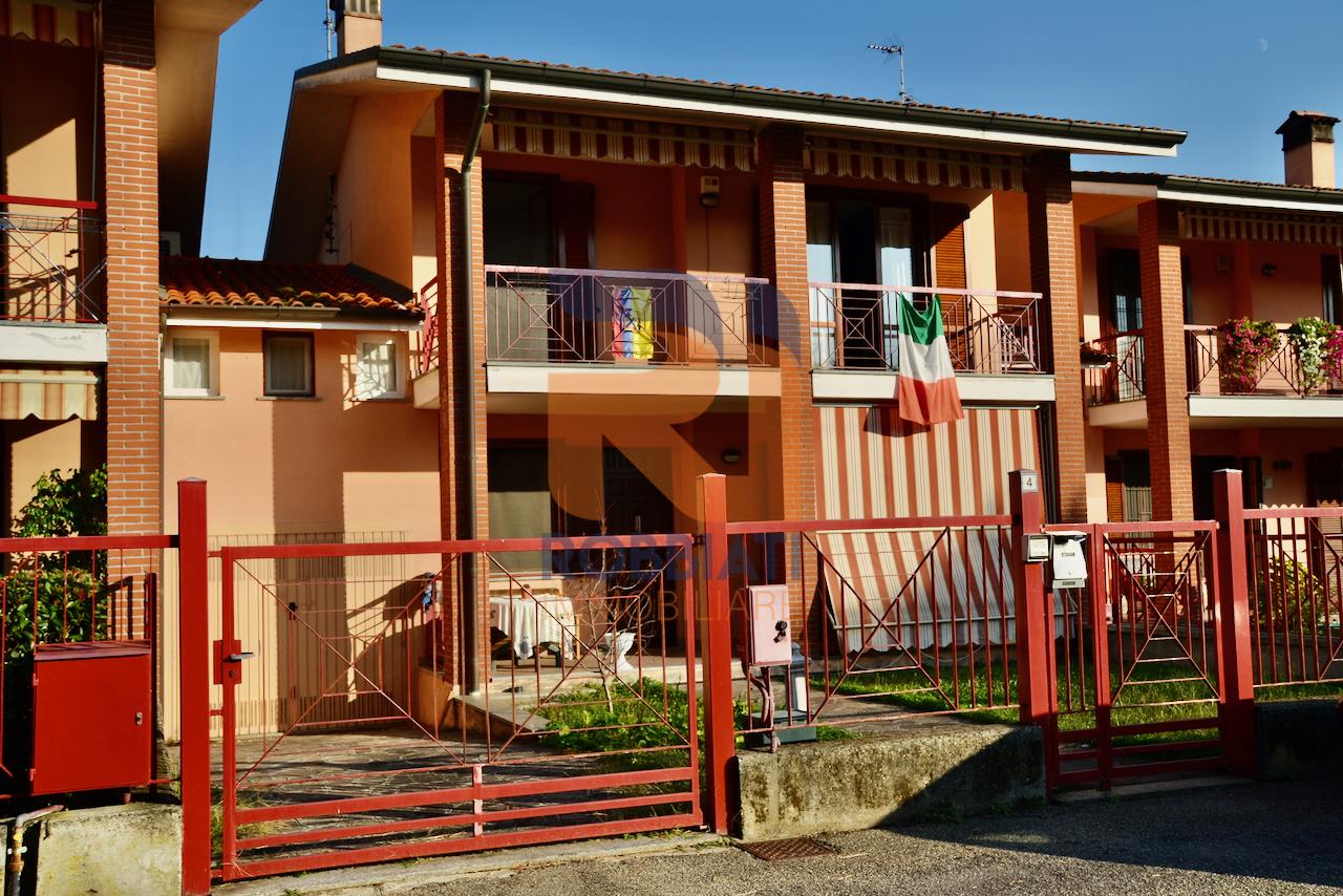 Villa in vendita a San Martino Siccomario, 5 locali, prezzo € 228.000 | PortaleAgenzieImmobiliari.it