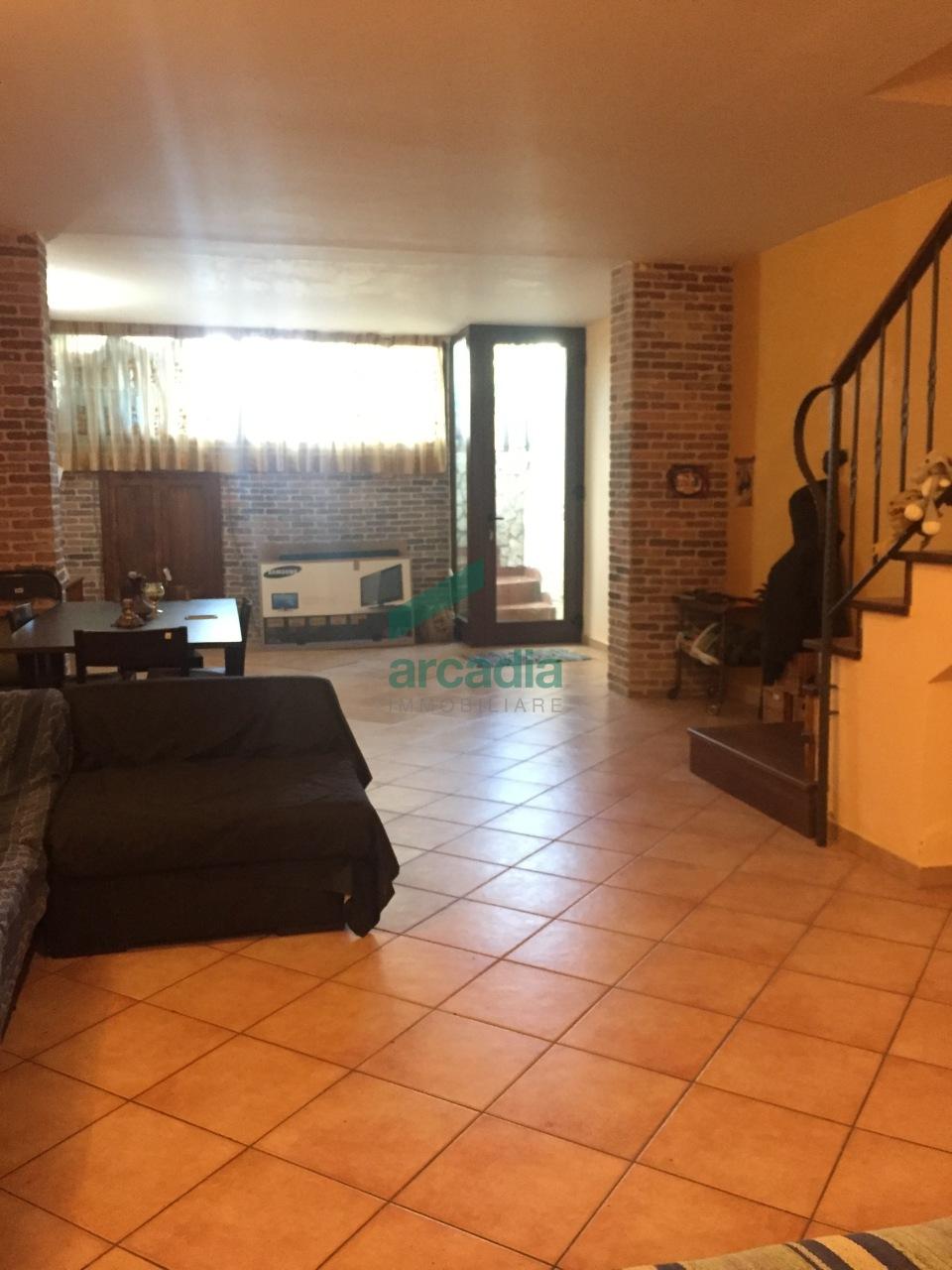 Villa a Schiera in vendita a Noicàttaro, 4 locali, prezzo € 165.000 | CambioCasa.it