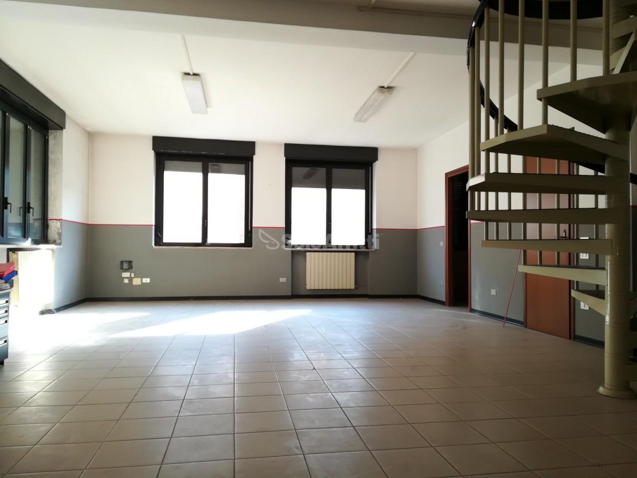 Ufficio / Studio in affitto a Saronno, 2 locali, prezzo € 900   PortaleAgenzieImmobiliari.it