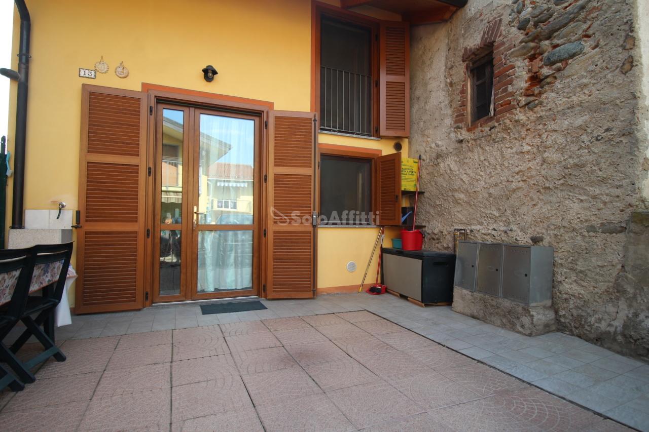 Bilocale in buone condizioni arredato in affitto Rif. 11033929