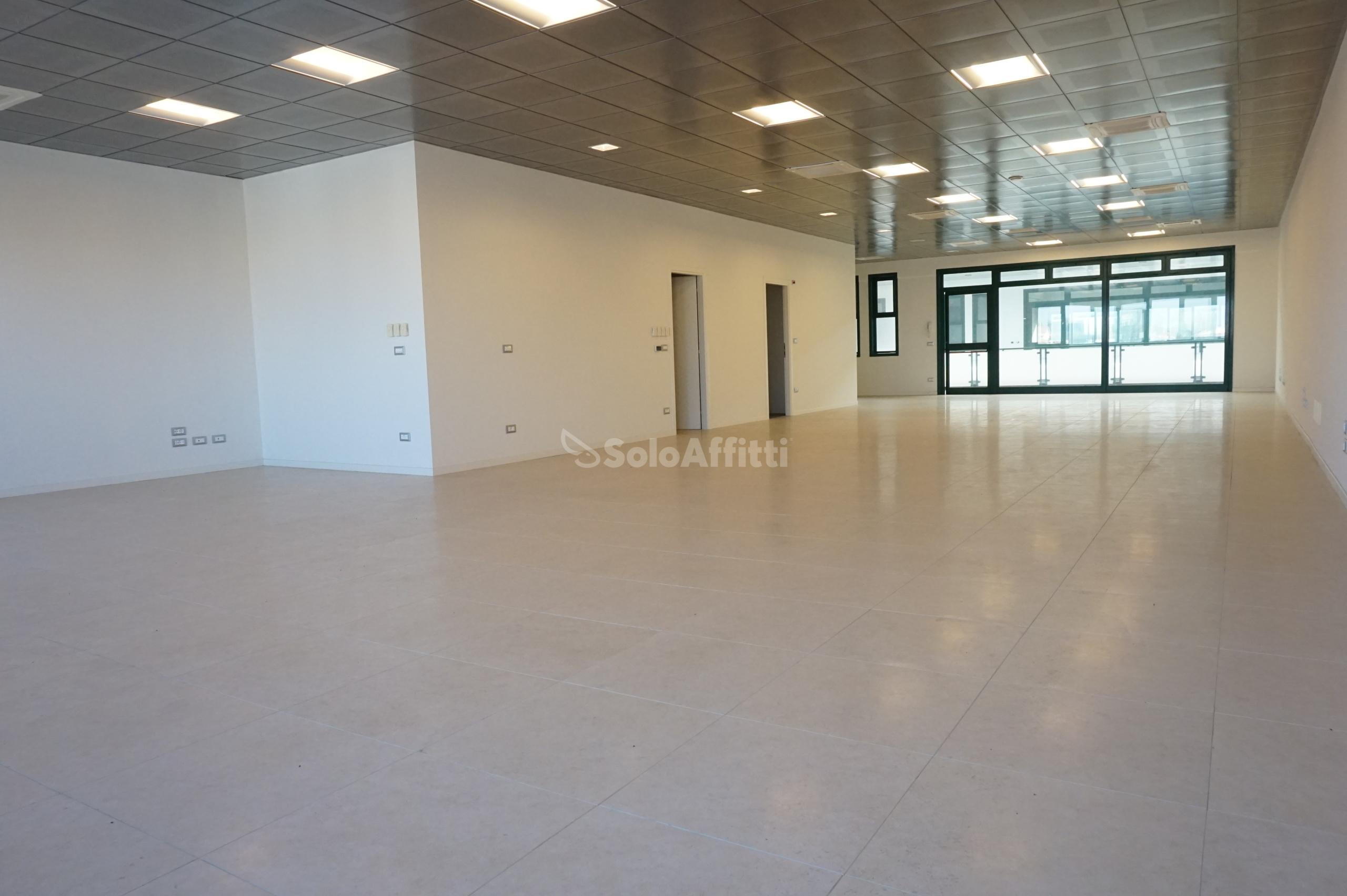 Ufficio Open space 5 vani