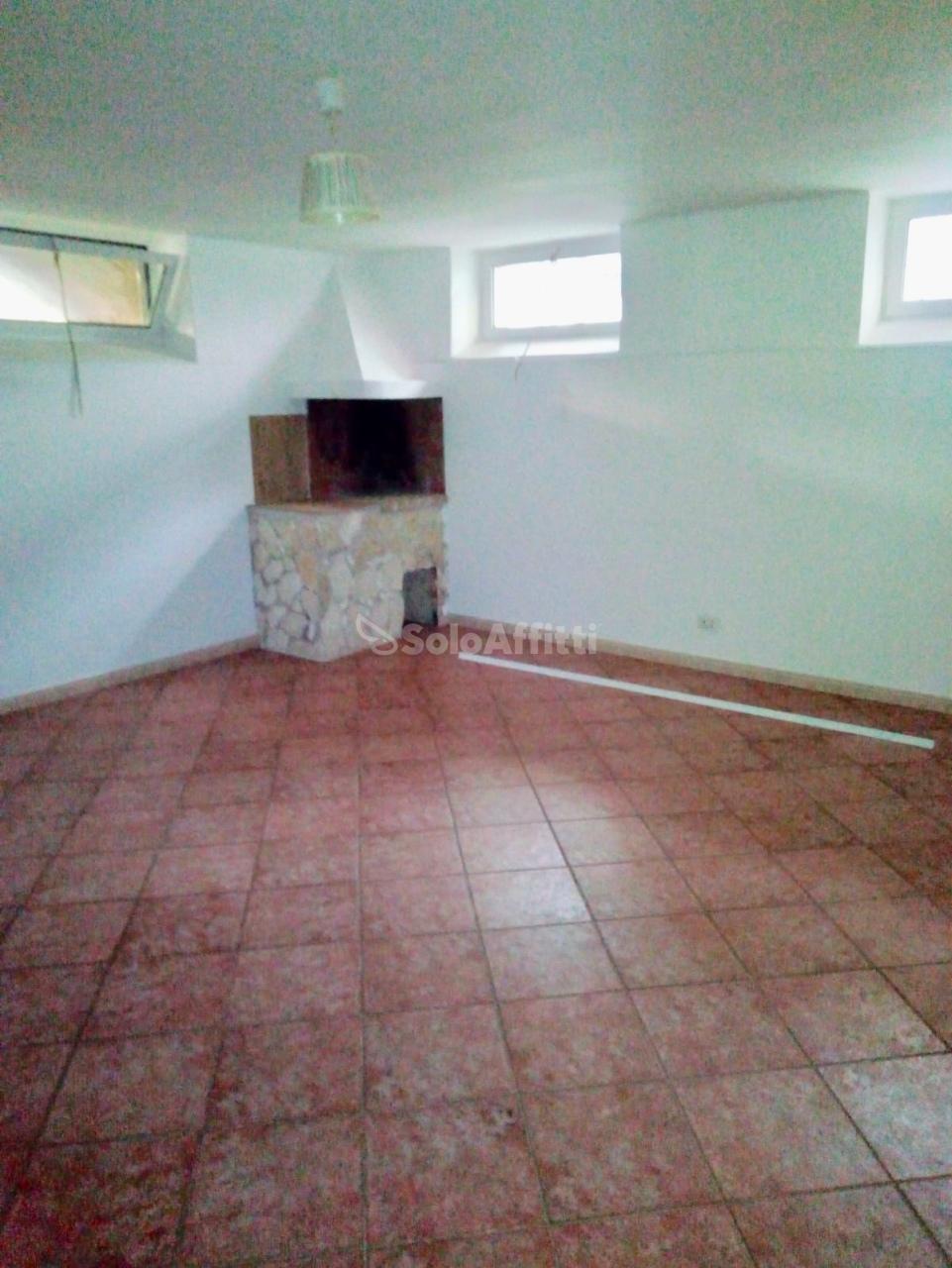 Villetta a schiera in buone condizioni in affitto Rif. 9388940