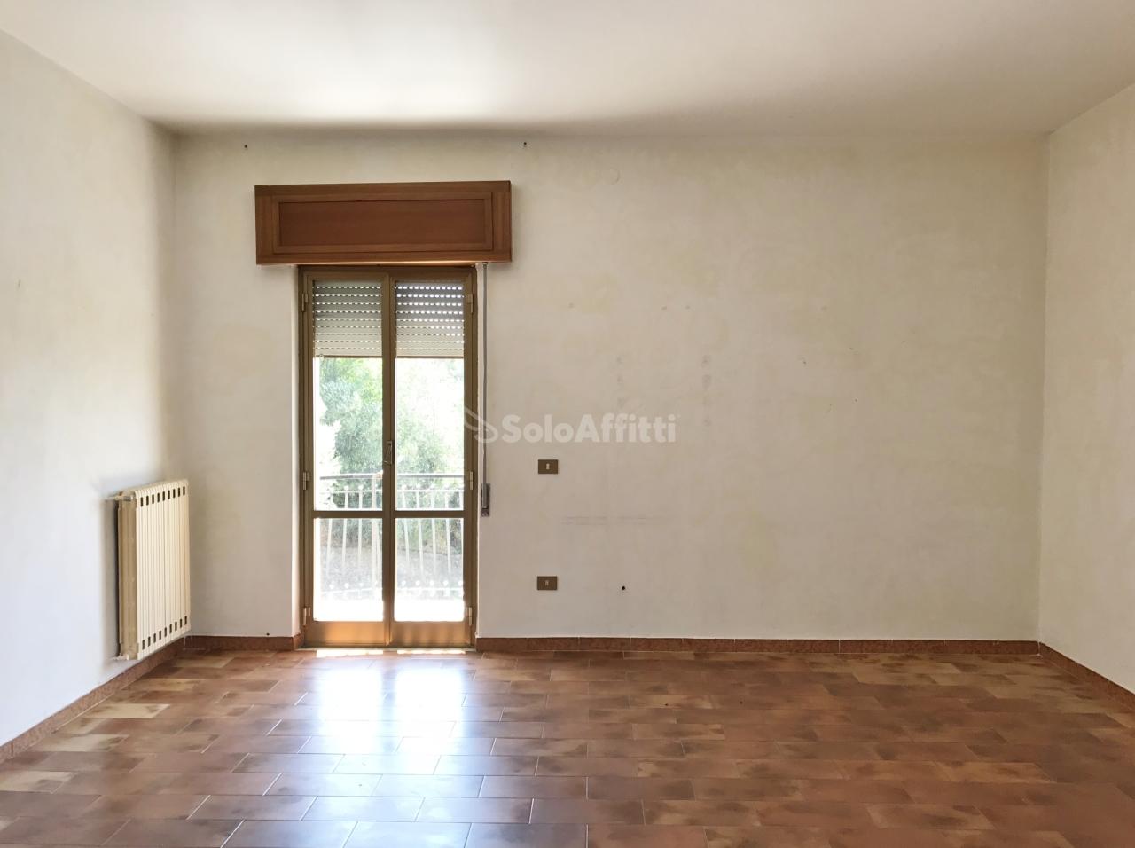 Quadrilocale in buone condizioni in affitto Rif. 7565584