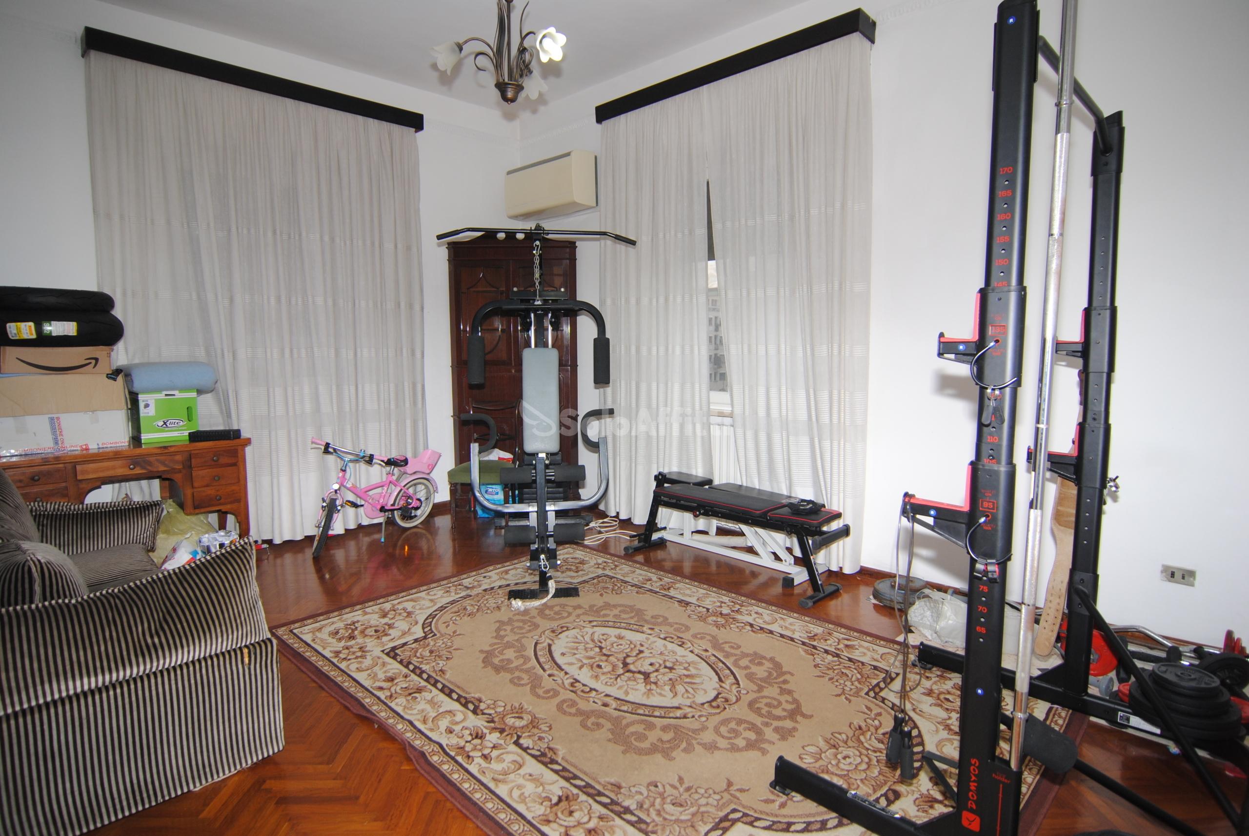 Appartamento Quadrilocale Arredato 5 vani