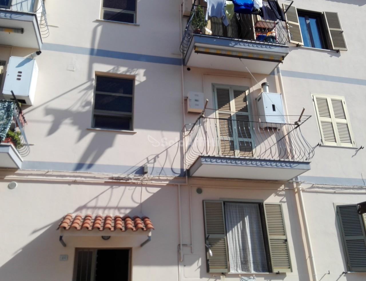 Bilocale in buone condizioni in affitto Rif. 8351706