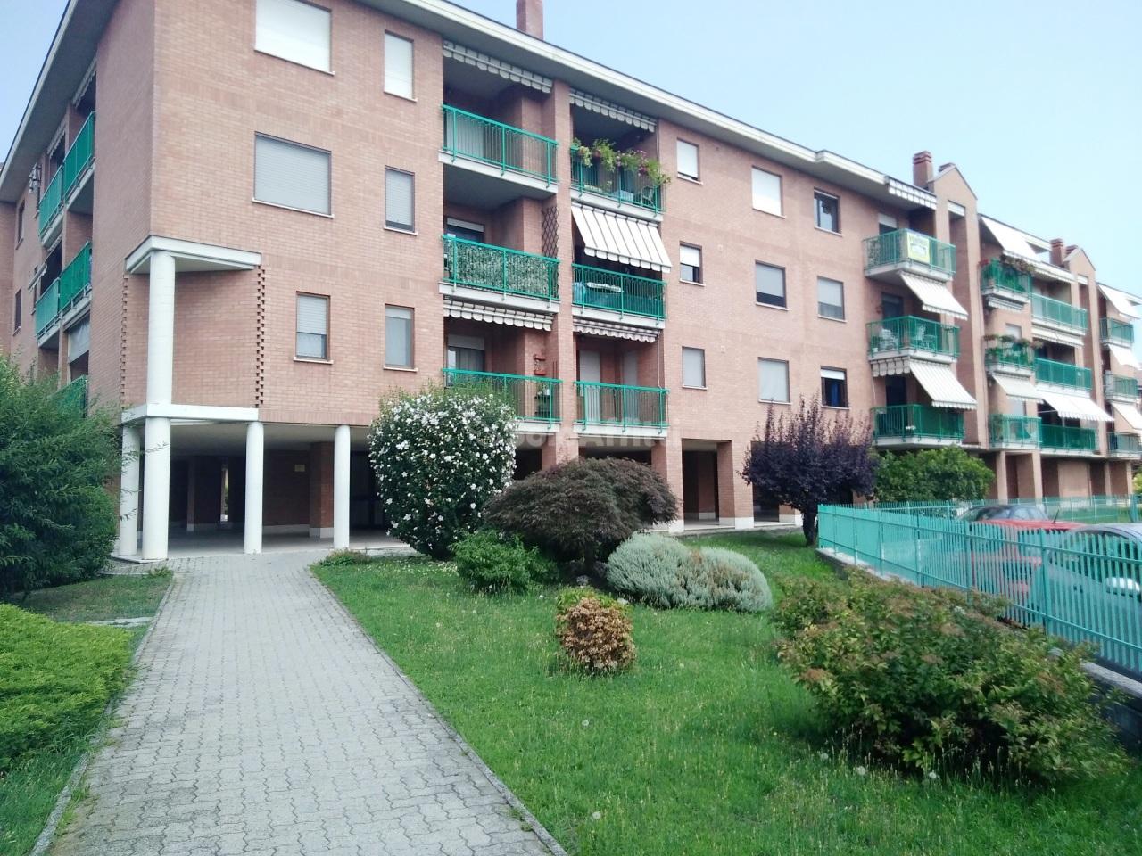 Quadrilocale in buone condizioni arredato in affitto Rif. 10801941