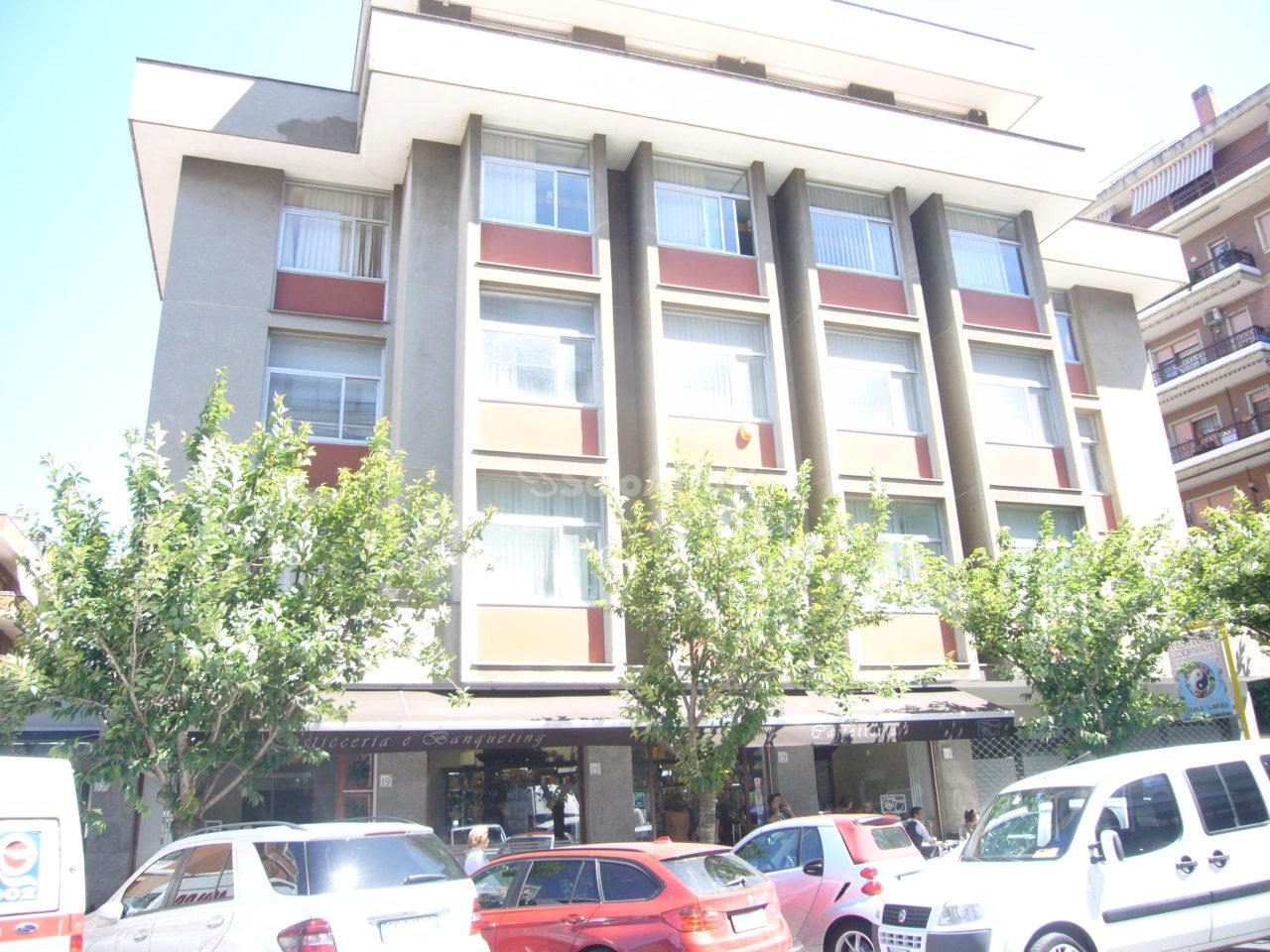 Ufficio - oltre 4 locali a Eur, Roma Rif. 8131846