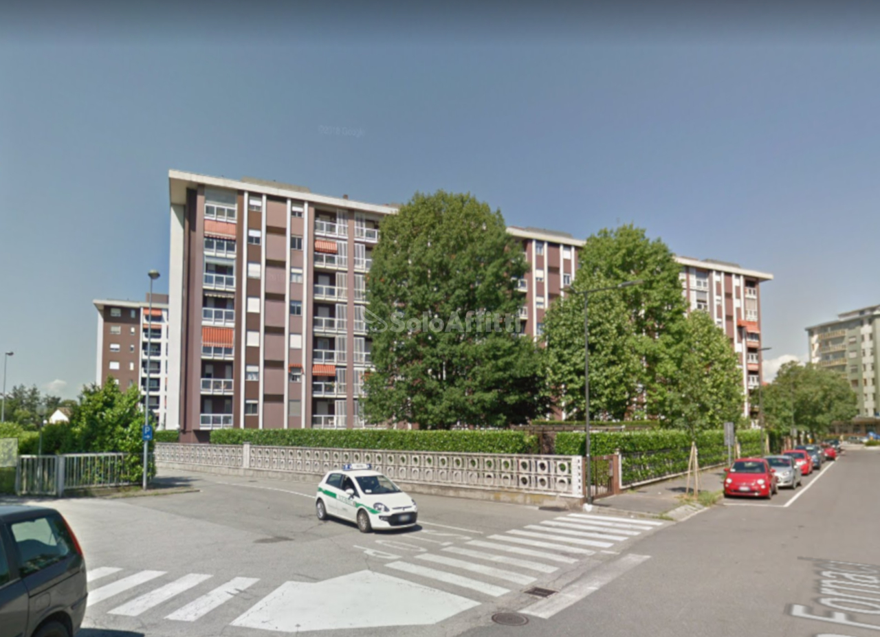 Trilocale ristrutturato arredato in affitto Rif. 9944050