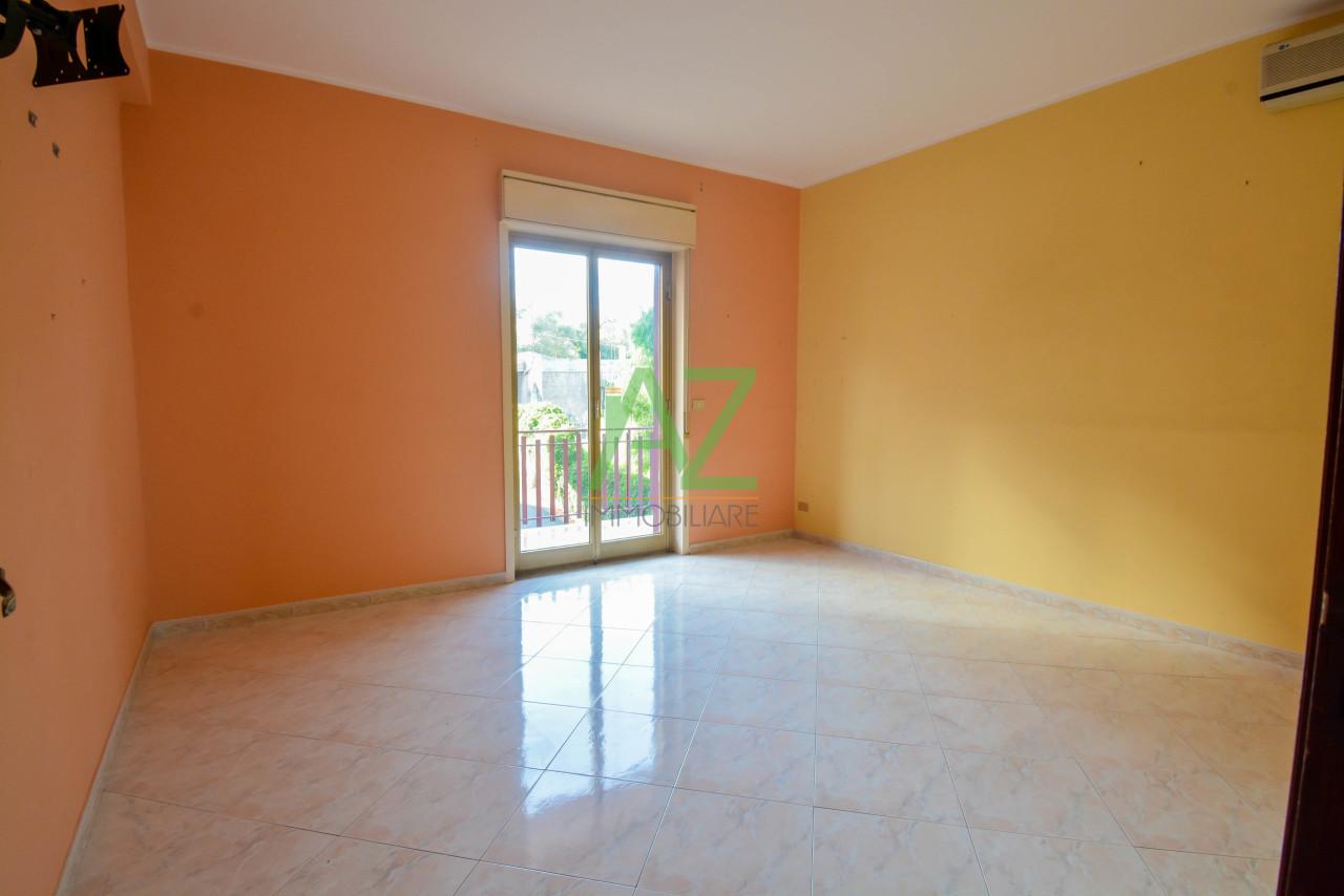 Appartamento in buone condizioni in vendita Rif. 11190671