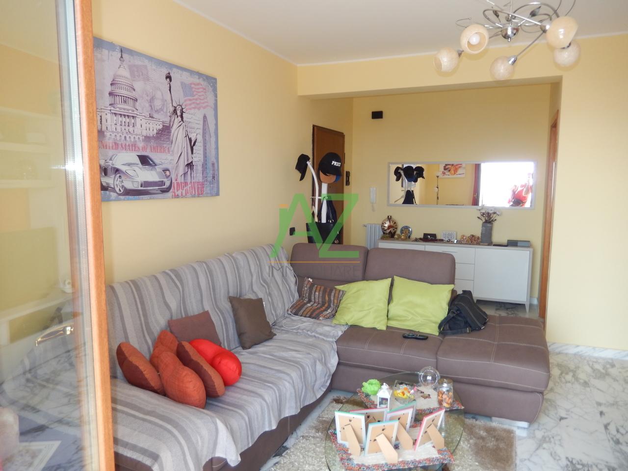 Appartamento in buone condizioni arredato in vendita Rif. 11093333