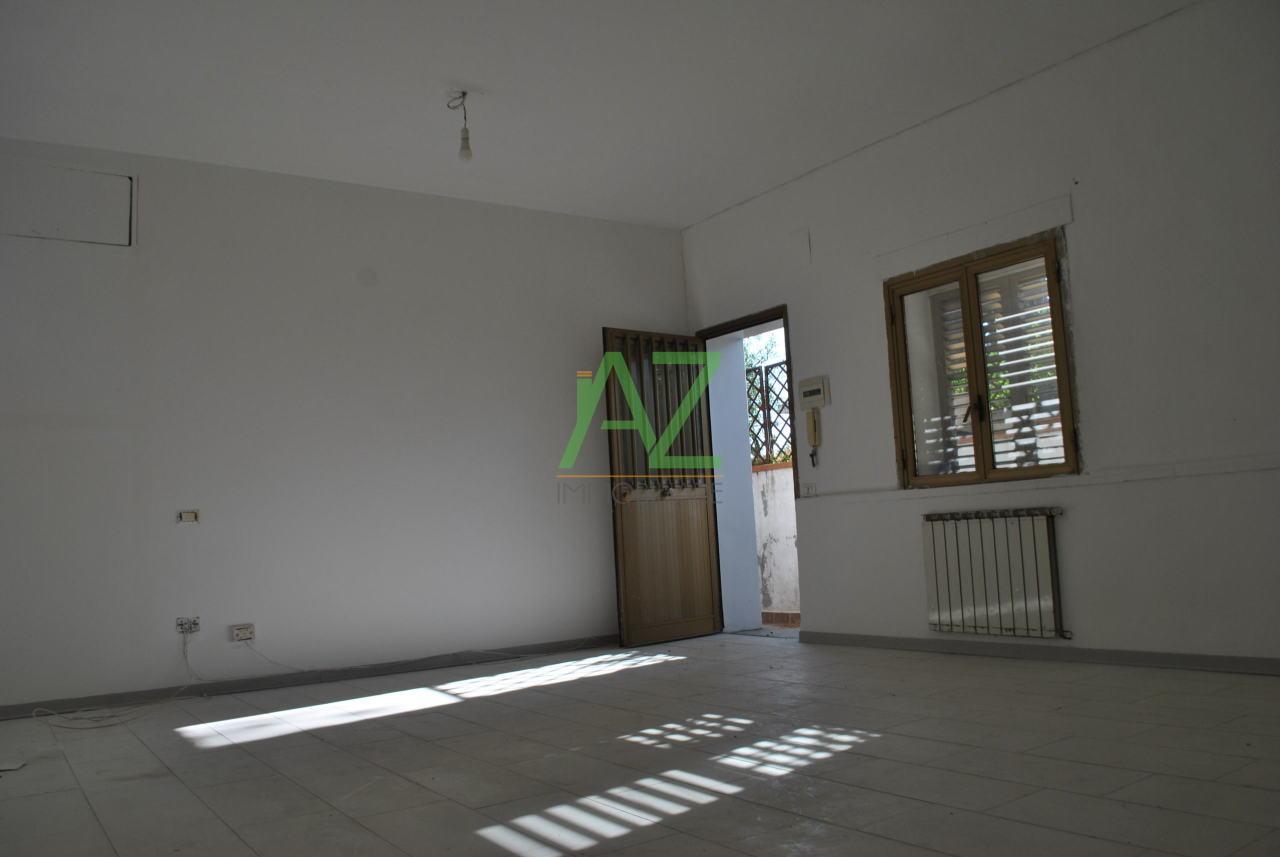 Appartamento in buone condizioni in affitto Rif. 7869527