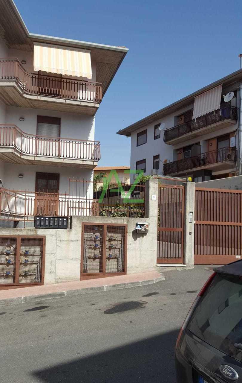 Appartamento in buone condizioni in vendita Rif. 10508416