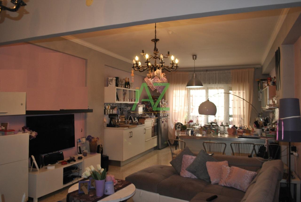 Appartamento in buone condizioni in vendita Rif. 11077331