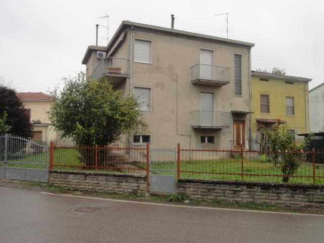 Villetta a schiera in buone condizioni in vendita Rif. 4142587