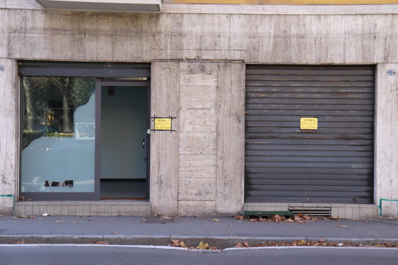 Commerciale - Due Vetrine a Parma Rif. 8828111