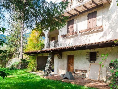 Rustico / Casale in vendita a Calice al Cornoviglio, 11 locali, prezzo € 280.000 | PortaleAgenzieImmobiliari.it