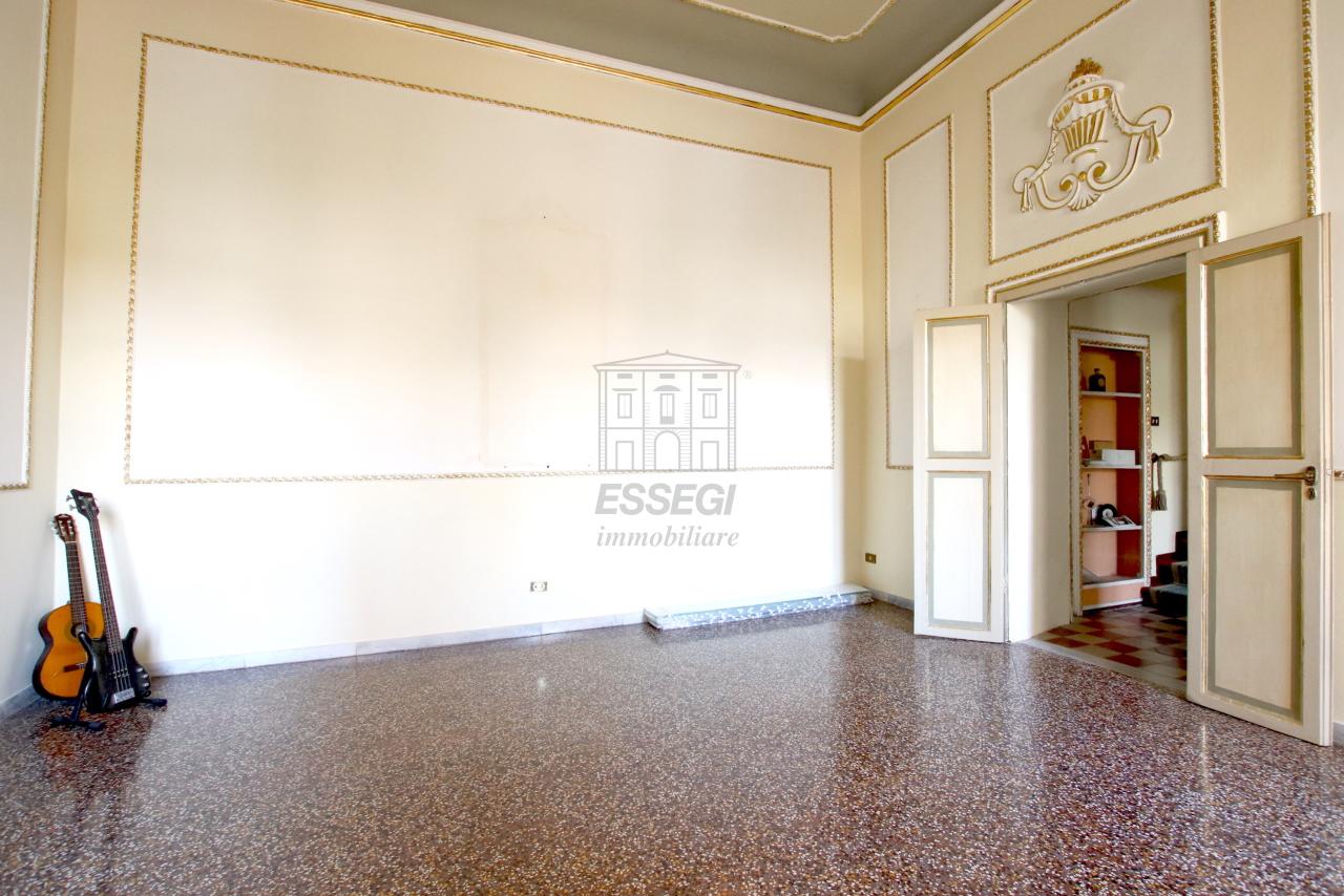 Appartamento Lucca Centro storico IA03468 img 3