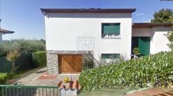 Villa in Vendita a Pistoia, 500'000€, , con Box