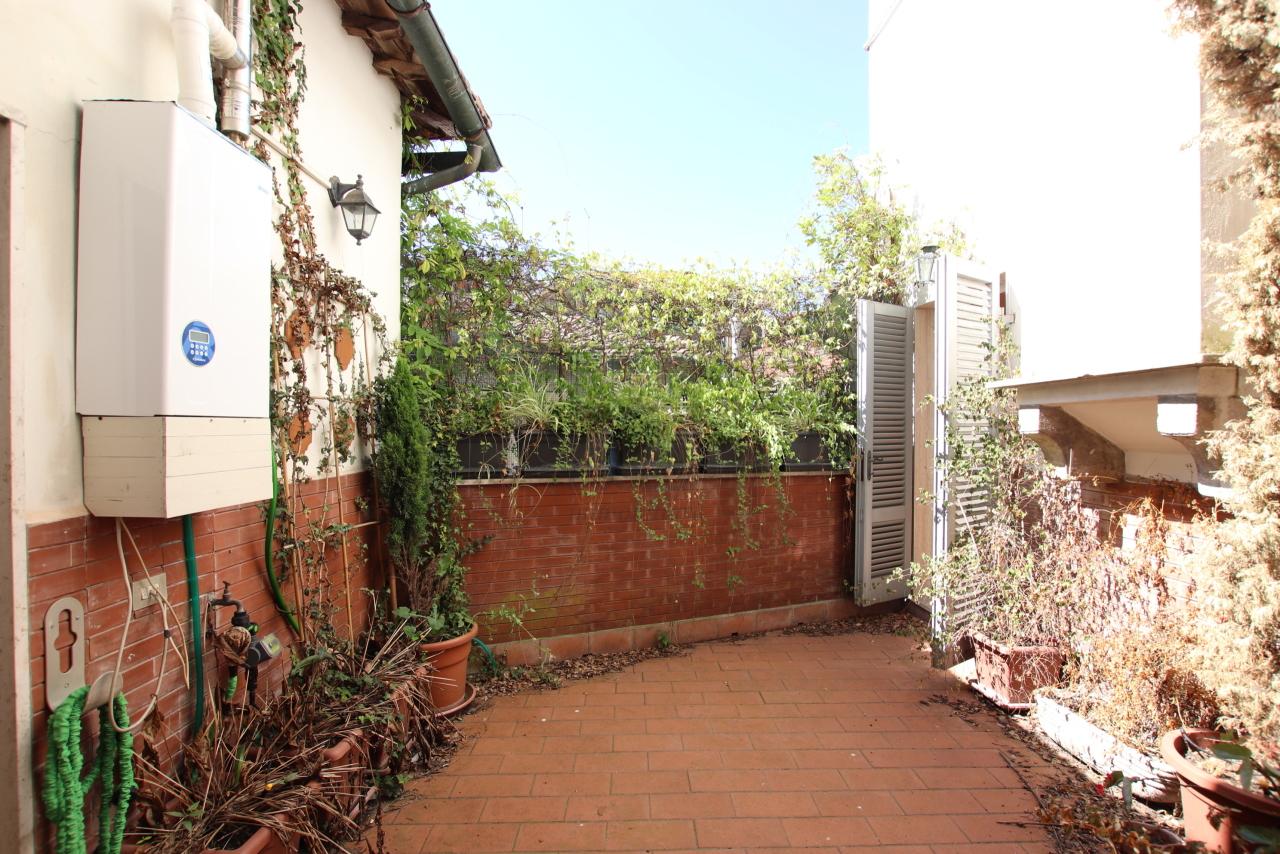 Appartamento Lucca Centro storico IA01181-bis img 23