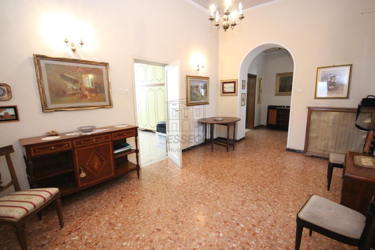 Appartamento Lucca Centro storico IA02899 img 23