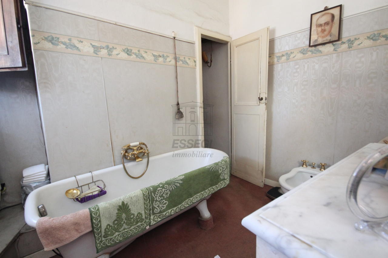 Appartamento Lucca Centro storico IA03325 img 13