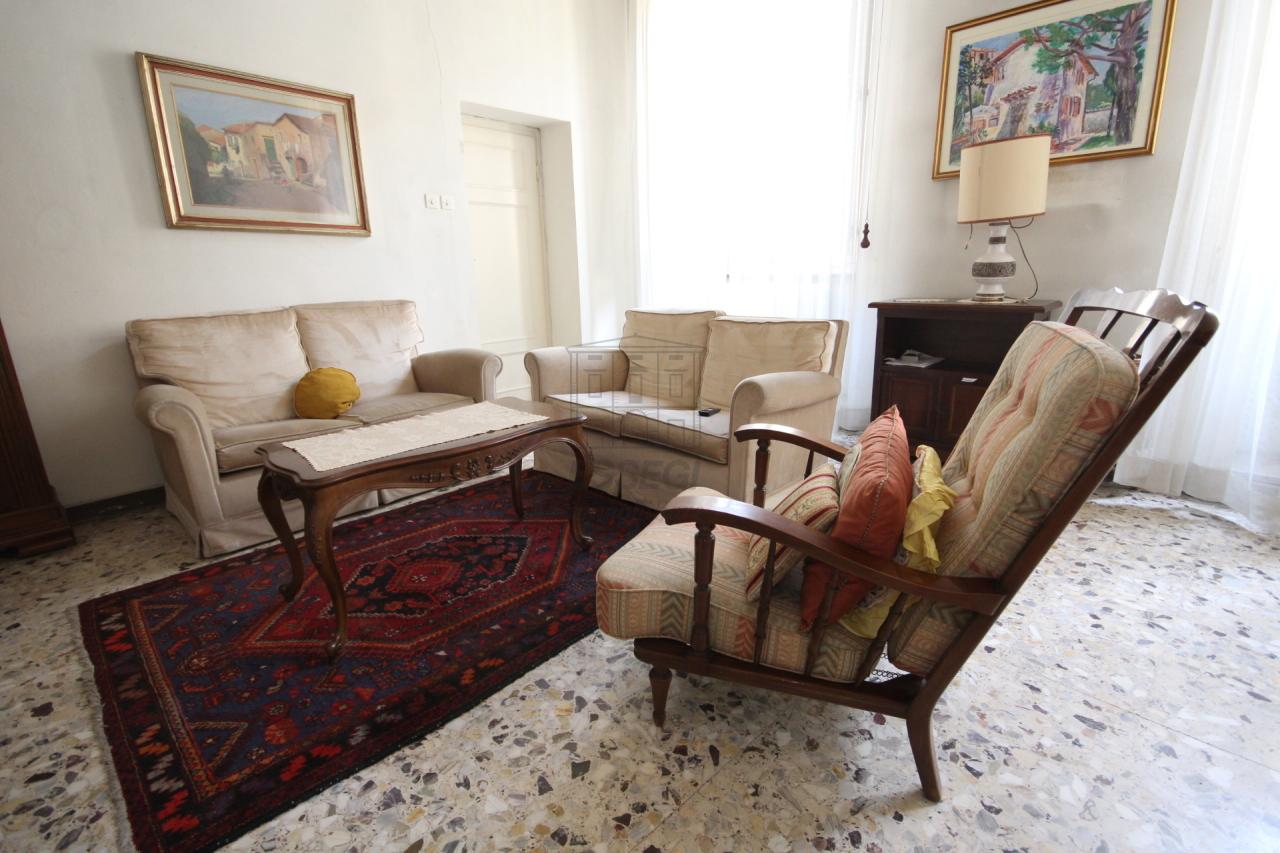Appartamento Lucca Centro storico IA02899 img 16