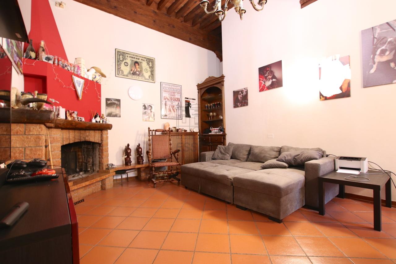 Appartamento Lucca Centro storico IA00362 img 7