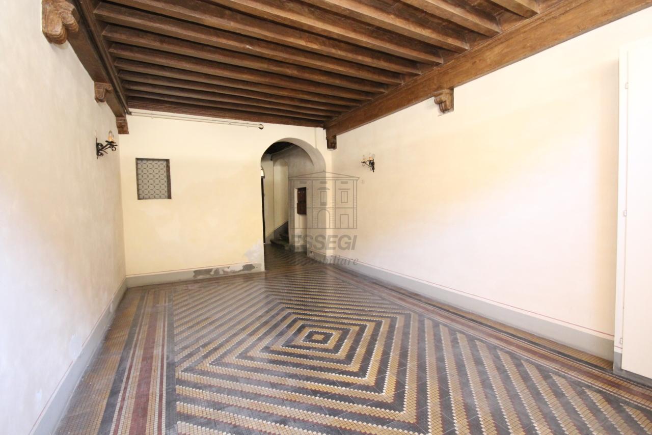 Appartamento Lucca Centro storico IA03358 img 41
