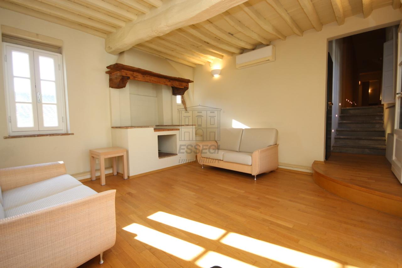 Appartamento Lucca Centro storico IA00611 img 4