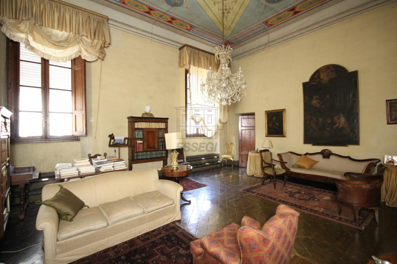 Appartamento Lucca Centro storico IA03325 img 6