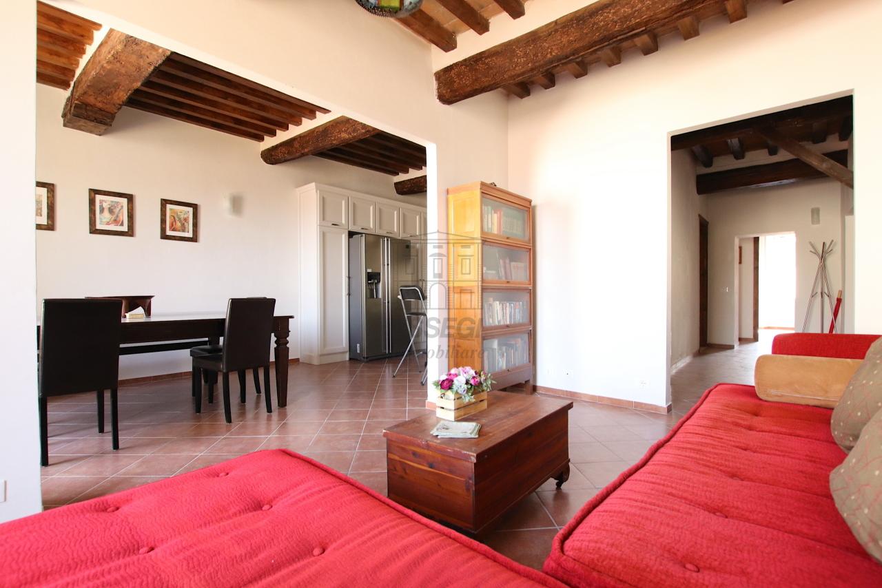 Appartamento Lucca Centro storico IA01844 img 3