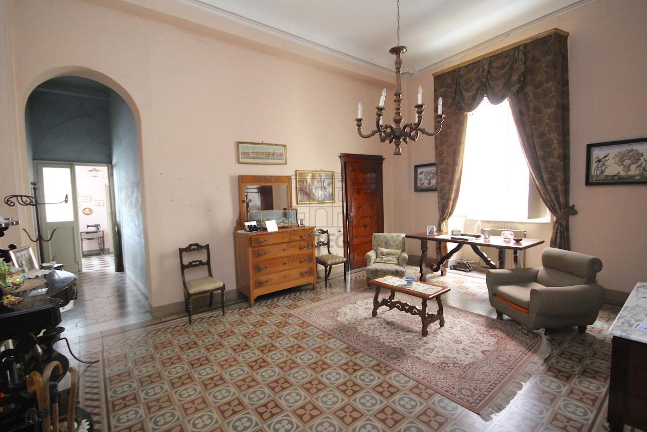 Appartamento Lucca Centro storico IA03446 img 4