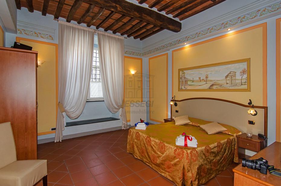 Appartamento Lucca Centro storico IA02635 img 2