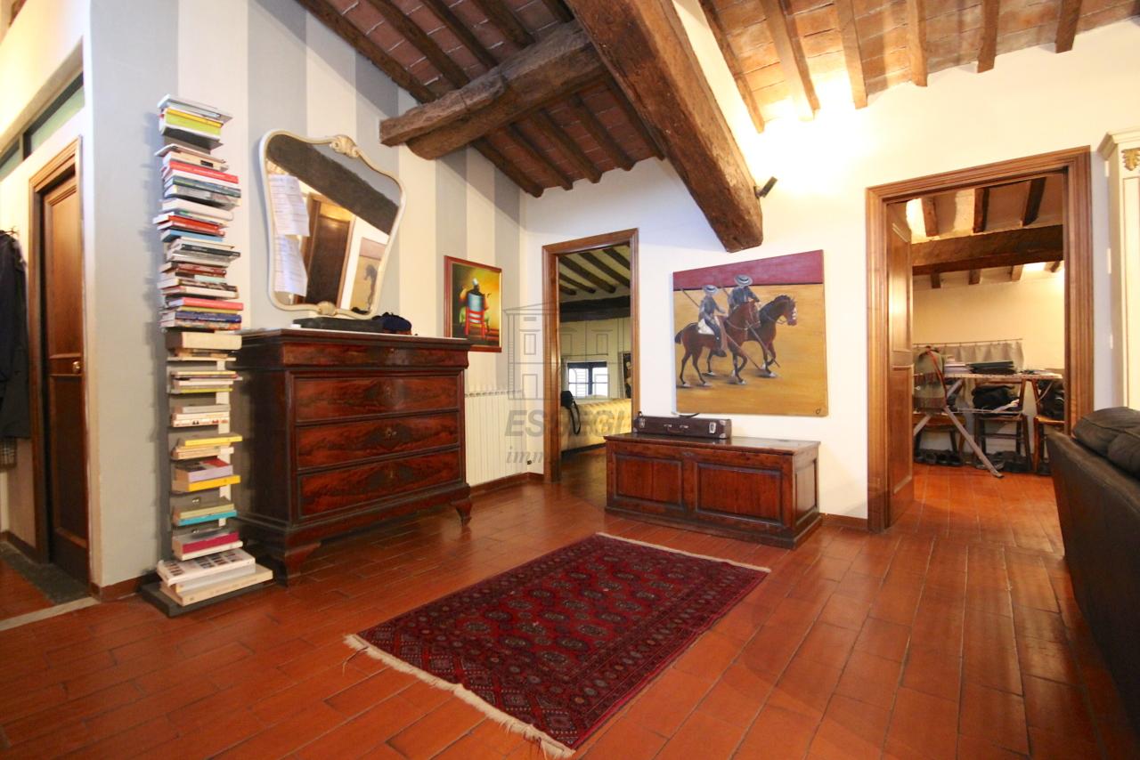 Appartamento Lucca Centro storico IA03457 img 11