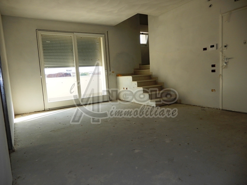 Appartamento in vendita a Rovigo, 6 locali, Trattative riservate | CambioCasa.it